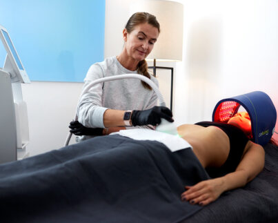 Treatments_Cryo-body-contouring_Woman-belly-fat